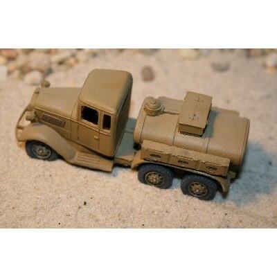 【新製品】80-037 1.5t Tankwagen Isuzu Typ 94 A