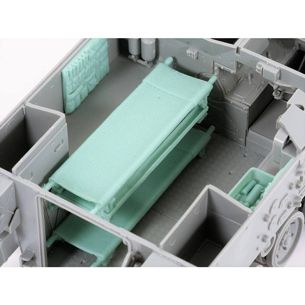【新製品】C112 英 FV432 救急車 コンバージョン