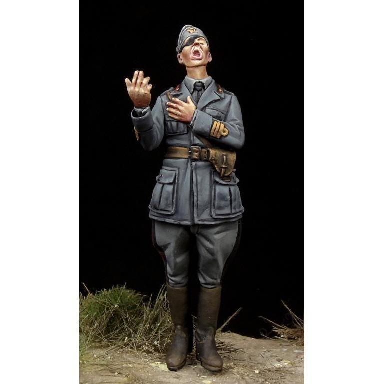 【新製品】35122 WWII 伊軍将校 「熱唱中」 2