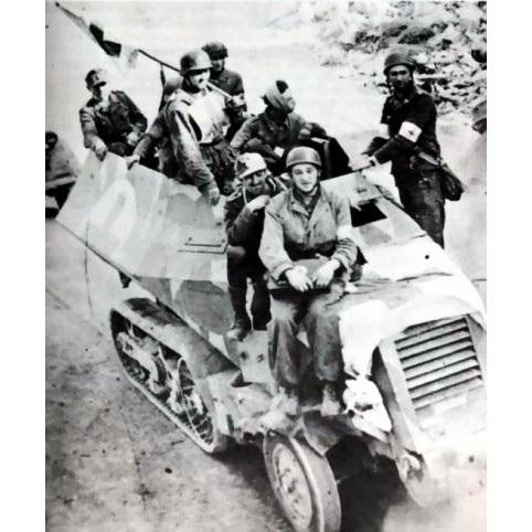 【新製品】DBLS 25 WWII ドイツ ユニック P107U 304(f) ハーフトラック 野戦救急車