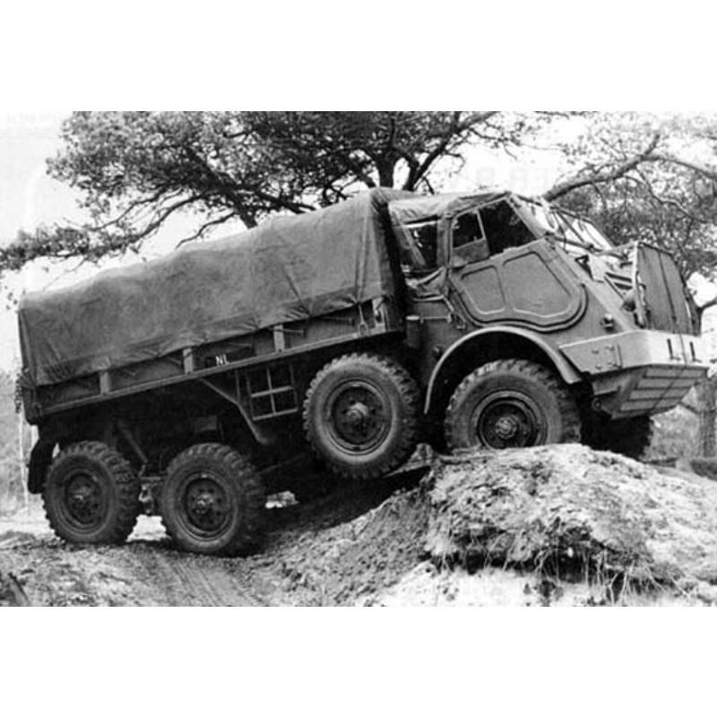 【新製品】DBLS 204 オランダ DAF YA 328 砲兵トラクター