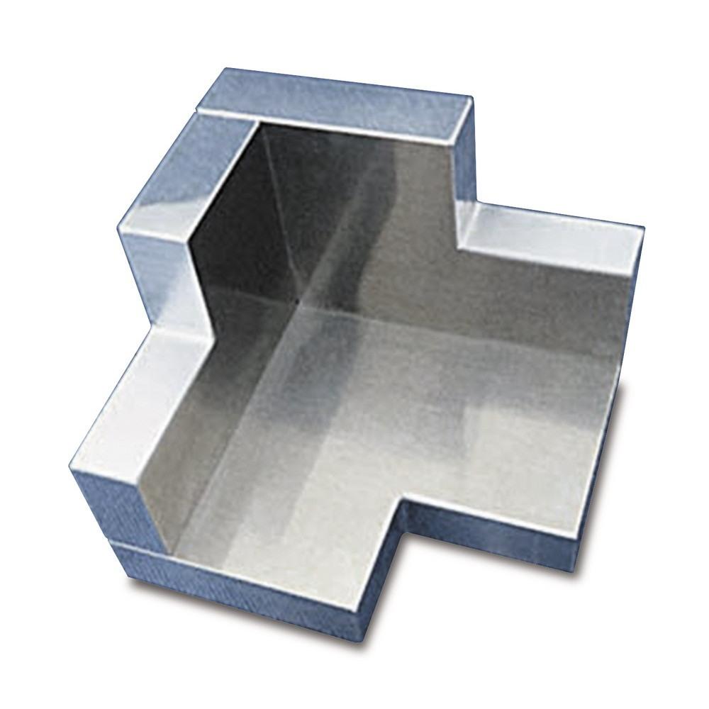【新製品】AL-K111 アルミニウム製 三方向スミ出し『隅(すみ)さん』
