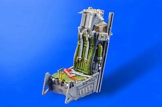 【再入荷】ブラッシン648001 F-16 ファイティングファルコン 初期型イジェクションシート
